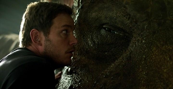 Jurassic-World-Fallen-Kingdom-Trailer-rex-eye